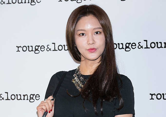SEOUL, SOUTH KOREA - MARCH 06:  TV personality, Hwang So-Hee (Sofia Hwang) attends the photo call for Rouge and Lounge Art Collaboration at Gallery YEH on March 6, 2015 in Seoul, South Korea.  (Photo by Han Myung-Gu/WireImage)