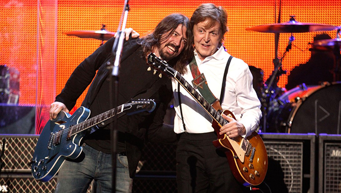 Dave-Grohl-Paul-McCartney
